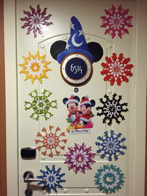 Nossa porta decorada no Disney Dream