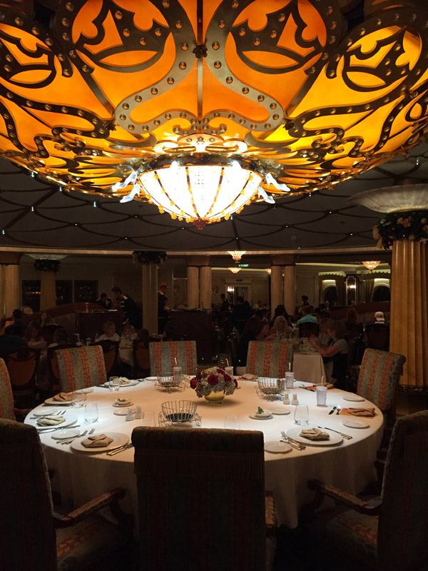 Restaurante Royal Palace no Disney Dream