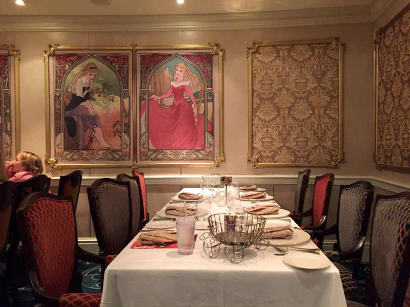 Restaurante Royal Palace no Disney Dream
