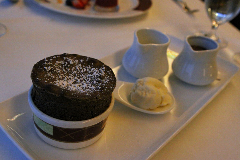 O famoso suflê de chocolate do Palo no Disney Magic: divino