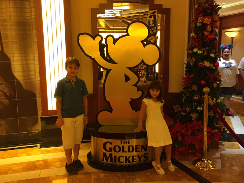 Entrada para o show Golden Mickeys no Disney Dream