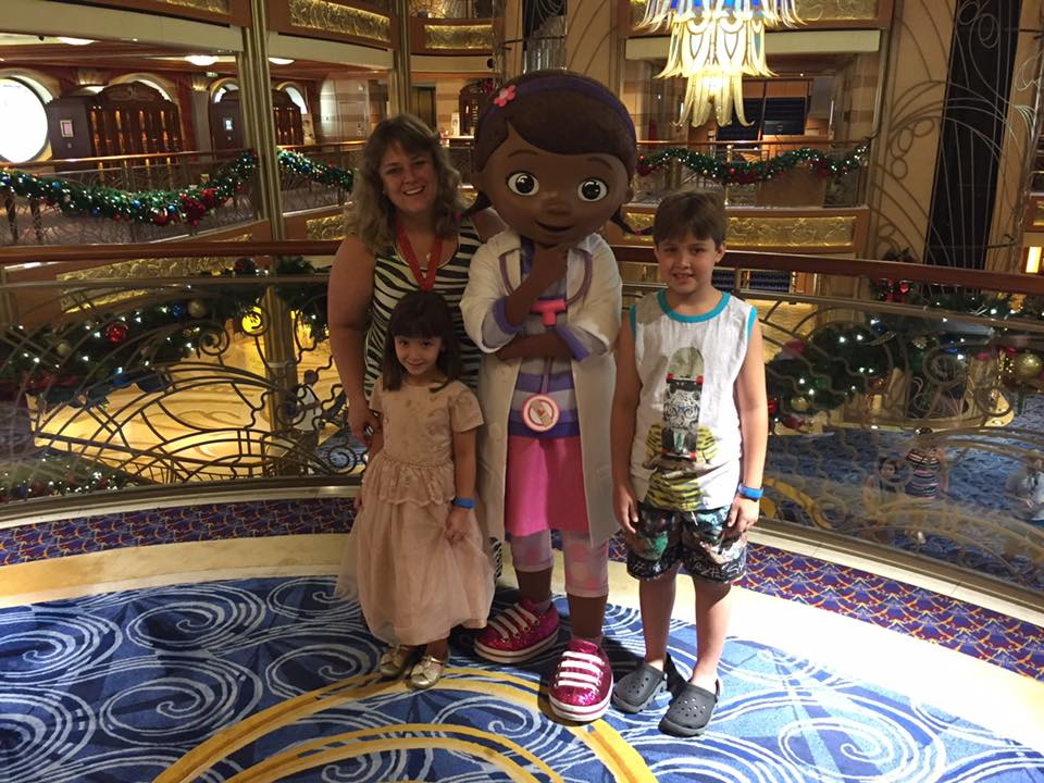 Com a Dra Brinquedo no Disney Dream