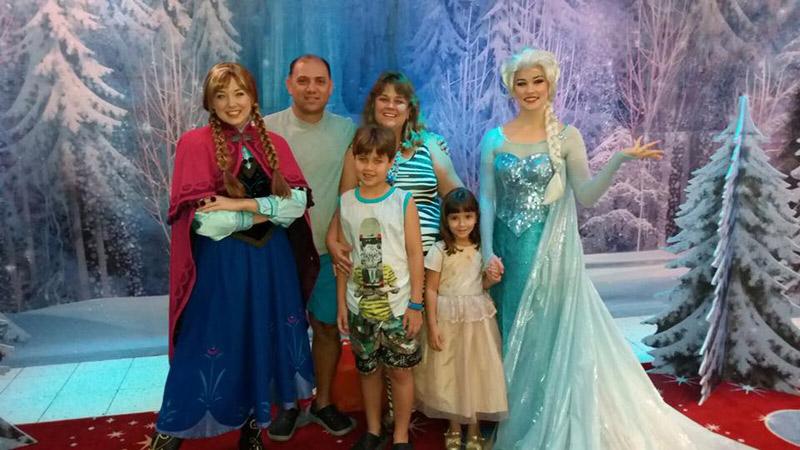 A foto tão esperada com Anna e Elsa