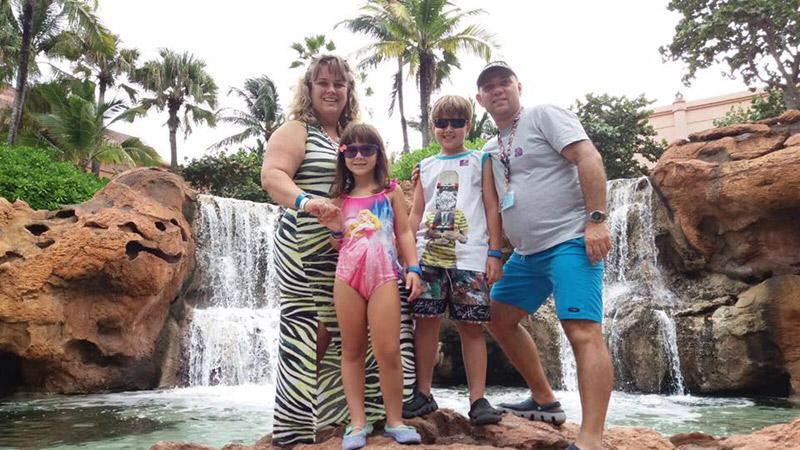 Karina e família no Atlantis