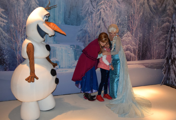 Encontrando com Anna, Elsa e Olaf no Disney Wonder