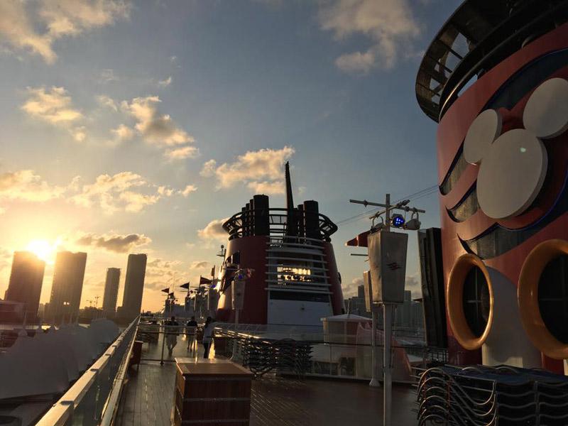 Dias lindos de sol no navio durante esse cruzeiro
