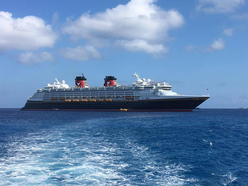 Cruzeiro no Disney Magic, parada em Grand Cayman