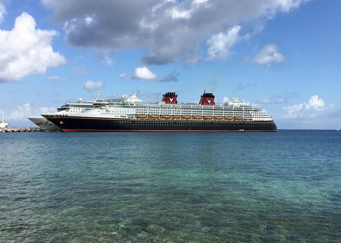 Disney Wonder em Cartagena