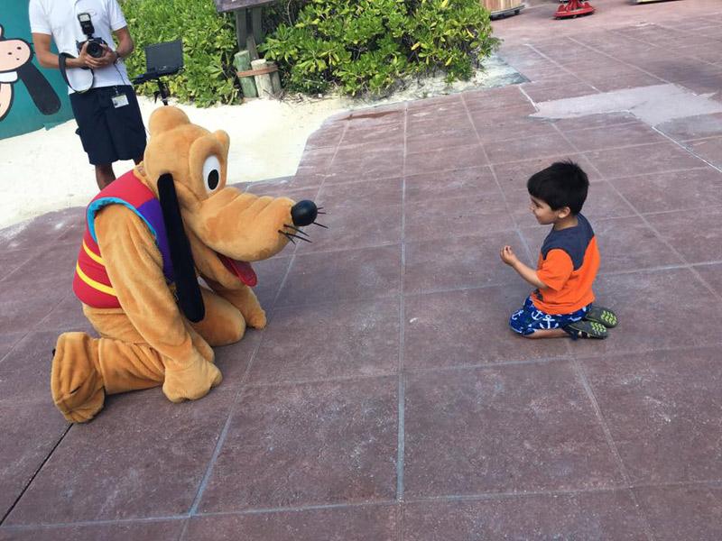 E brincando com o Pluto