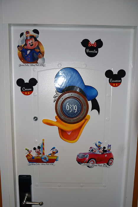 Nossa porta decorada no Disney Magic