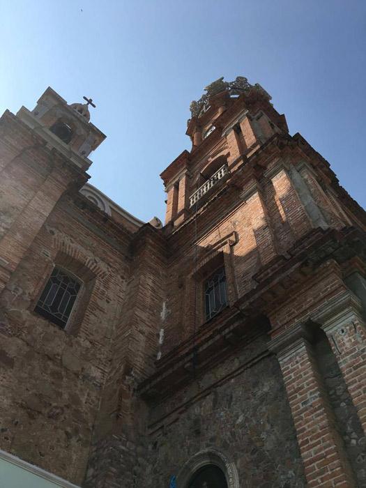A igreja de pertinho