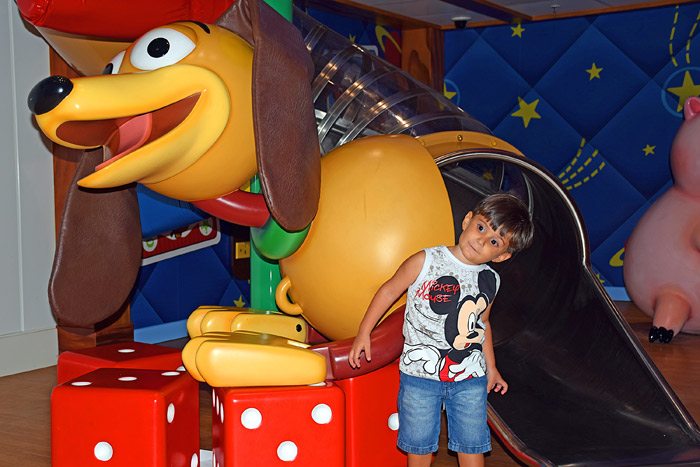 O Quarto do Andy de Toy Story no Disney Magic