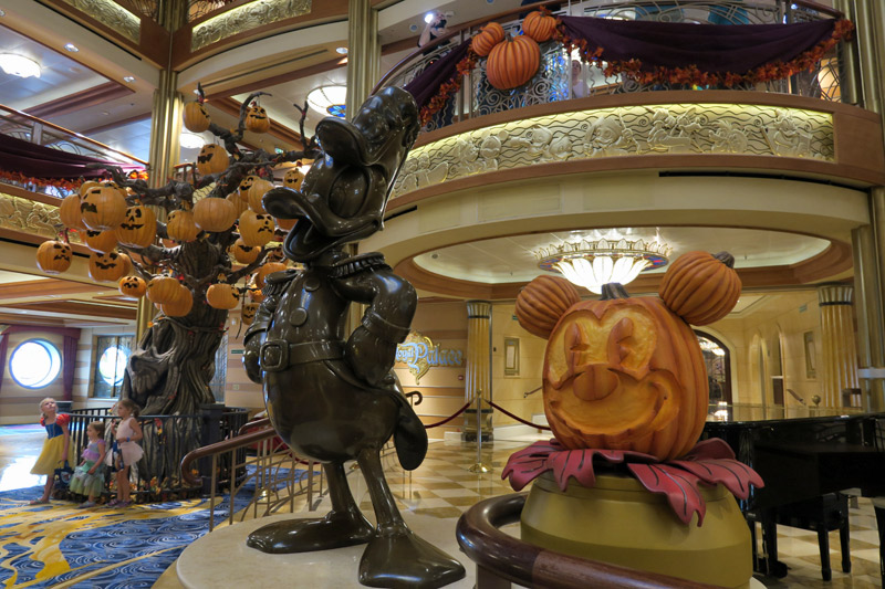 Cruzeiro de Halloween no Disney Dream