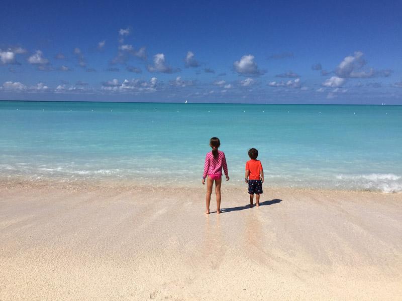 Meus filhos em Antigua, quando fizemos o cruzeiro Caribe Sul saindo de San Juan em janeiro de 2016