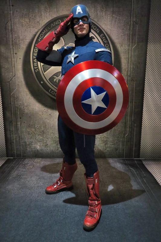 Capitão América no dia Marvel no cruzeiro Disney