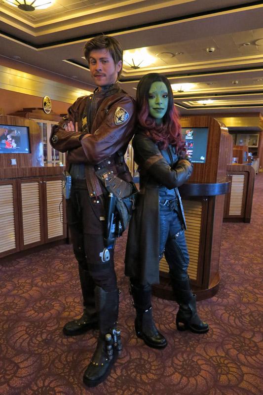 Star Lord e Gamora no dia Marvel no cruzeiro Disney