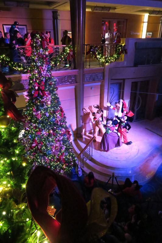 Cruzeiro Disney de Natal: acendendo as luzes da árvore de Natal