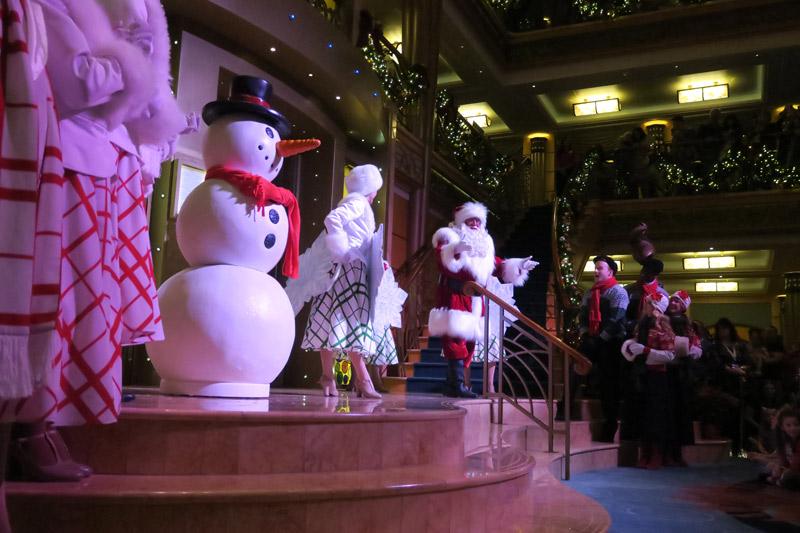 Cruzeiro Disney de Natal: chegada do Papai Noel