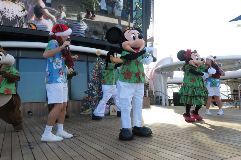 Cruzeiro Disney de Natal: festa de Natal tropical