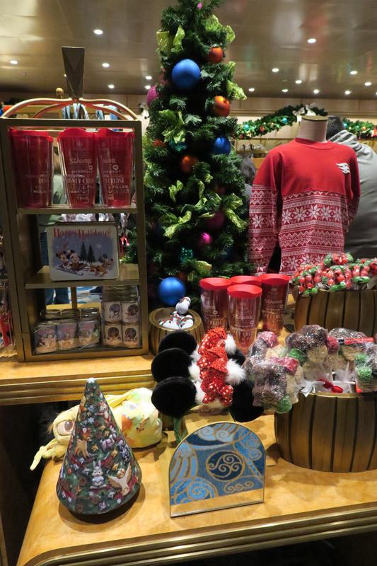Cruzeiro Disney de Natal: produtos de Natal no Disney Wonder