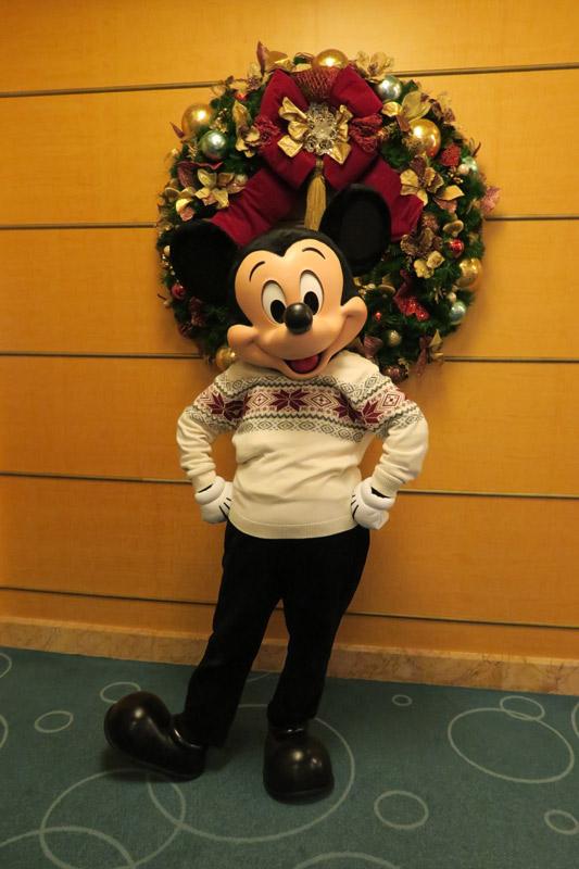 Cruzeiro Disney de Natal: Mickey com roupinha especial