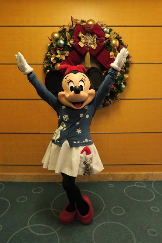 Cruzeiro Disney de Natal: Minnie com roupinha especial