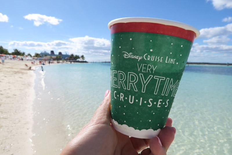 Cruzeiro Disney de Natal: até o copo é temático
