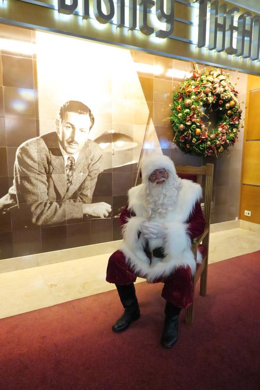 Cruzeiro Disney de Natal: foto com o Papai Noel