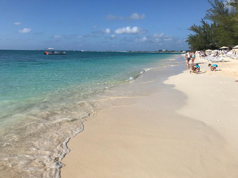 passeio nas Ilhas Cayman: a linda 7 Mile Beach