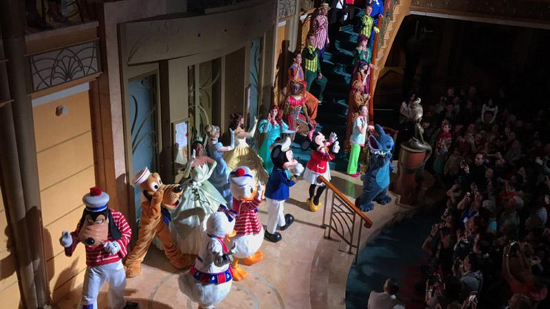 Festa de despedida no Cruzeiro Disney 5 noites Baja