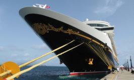 Conheça o navio Disney Fantasy: tour em fotos