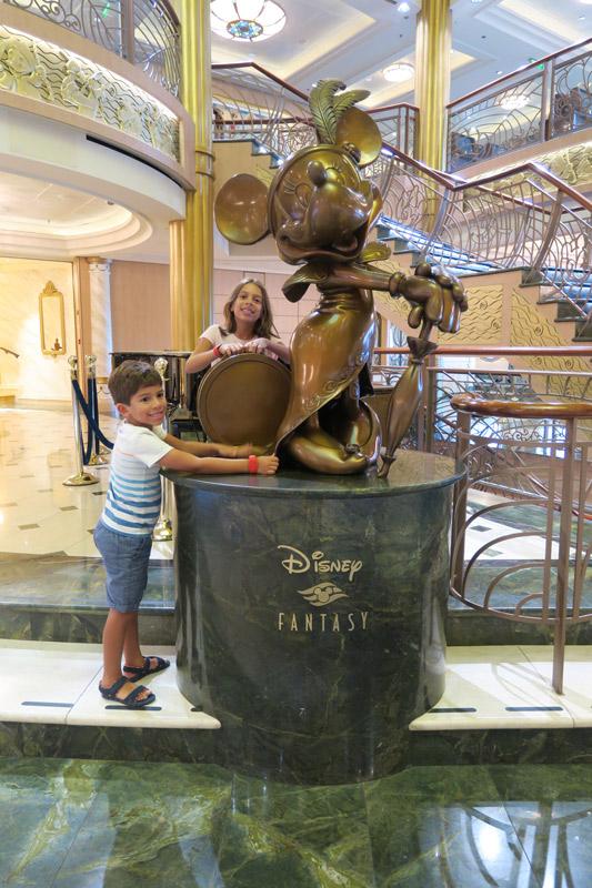 Estátua da Minnie
