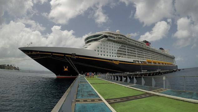 Cruzeiros Disney no verão de 2021: O Disney Fantasy em Martinica, no Caribe Sul