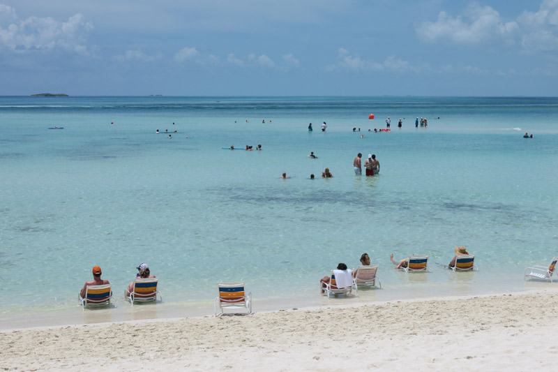 Serenity Bay, a praia de adultos em Castaway Cay