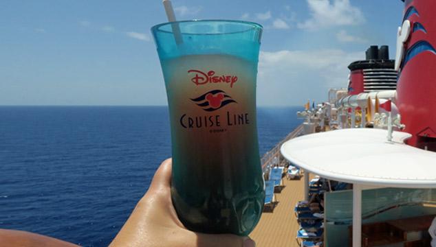 Bebidas no cruzeiro Disney: tudo que você queria saber