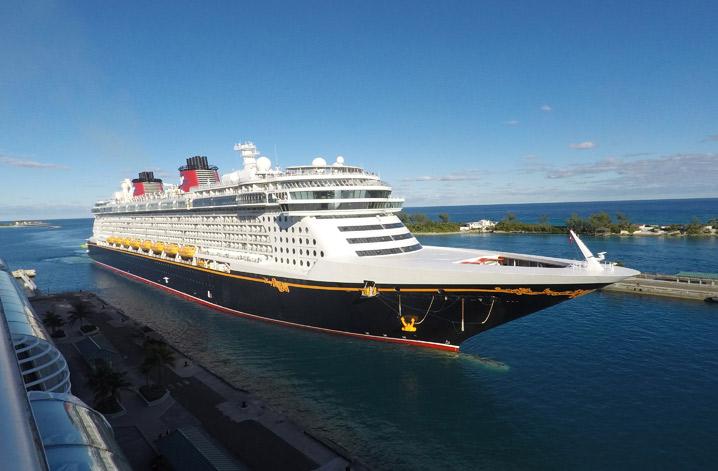 O Disney Dream chegando em Nassau, nas Bahamas