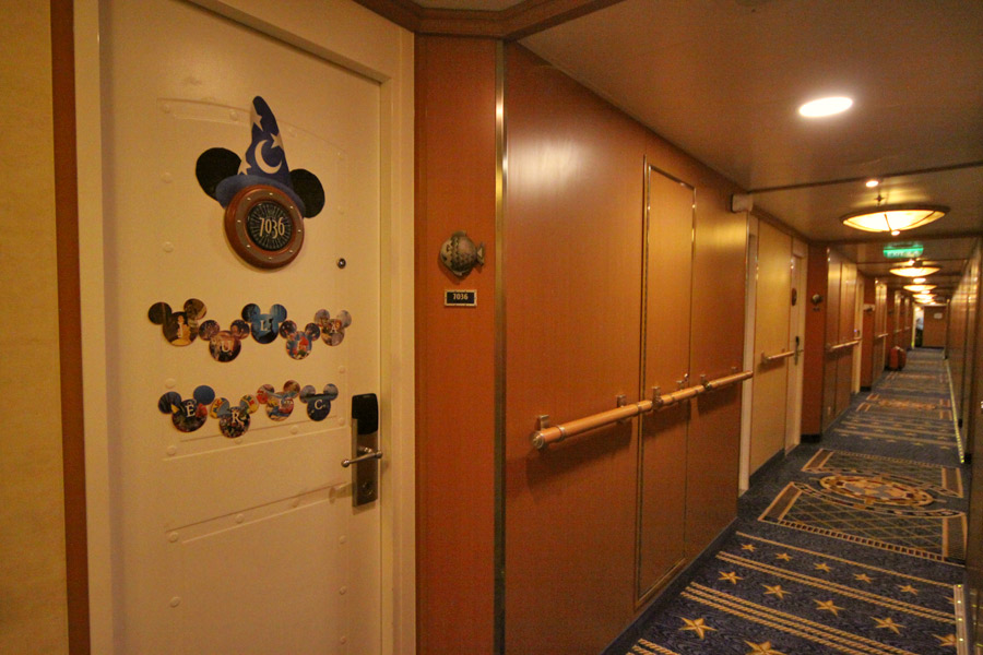 porta-da-cabine-disney-magic