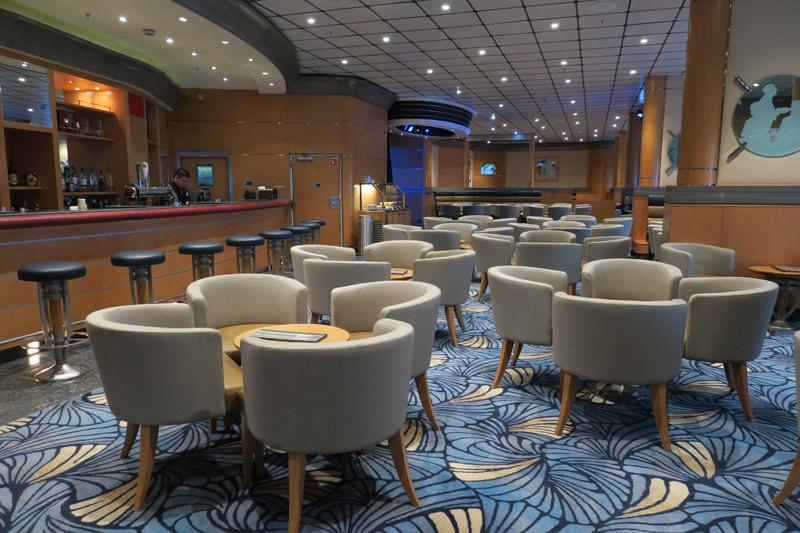 Promenade Lounge no Disney Magic