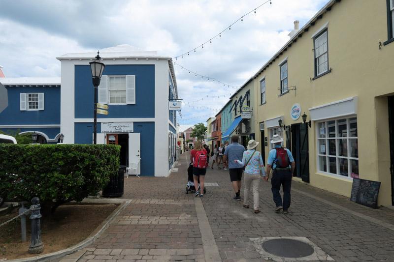Andando por St George, em Bermuda
