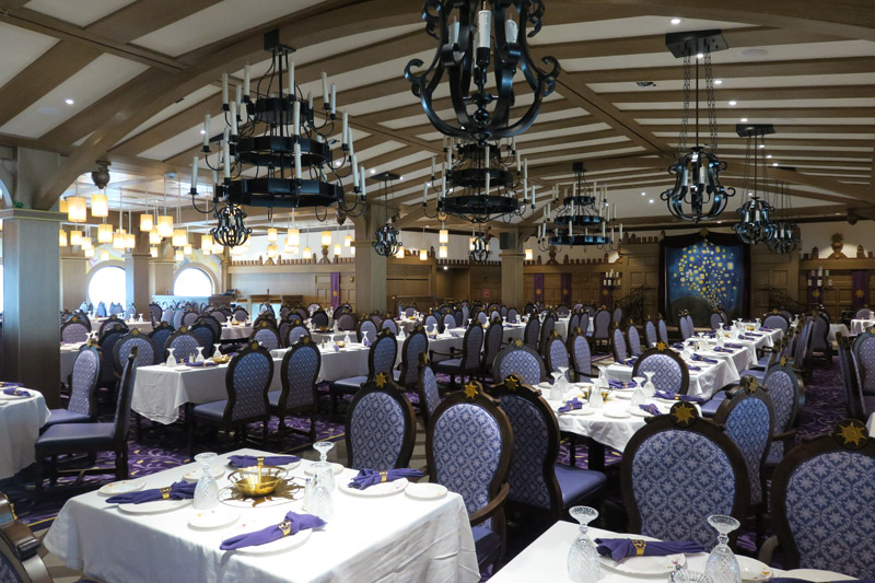 O novo restaurante Rapunzel's Royal Table no Disney Magic