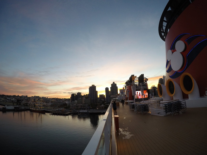 Amanhecer em San Diego no deck do Disney Wonder
