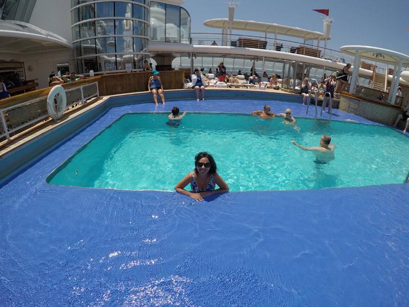 Eu na piscina de adultos em um dos dias de navegação
