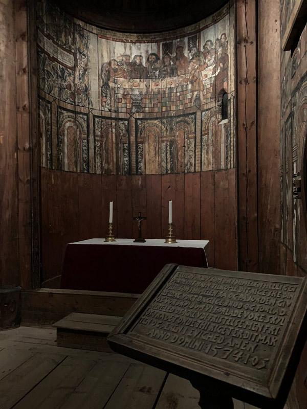 altar-da-igreja-de-gol-folkemuseum-oslo