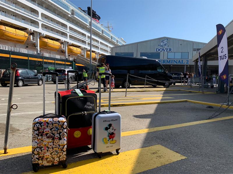 Terminal de embarque da Disney no Porto de Dover
