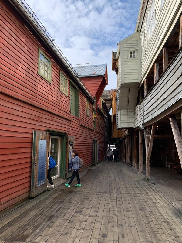 cruzeiro-da-disney-na-noruega-predios-bryggen-em-bergen