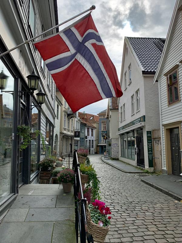 cruzeiro-da-disney-na-noruega-rua-em-bergen