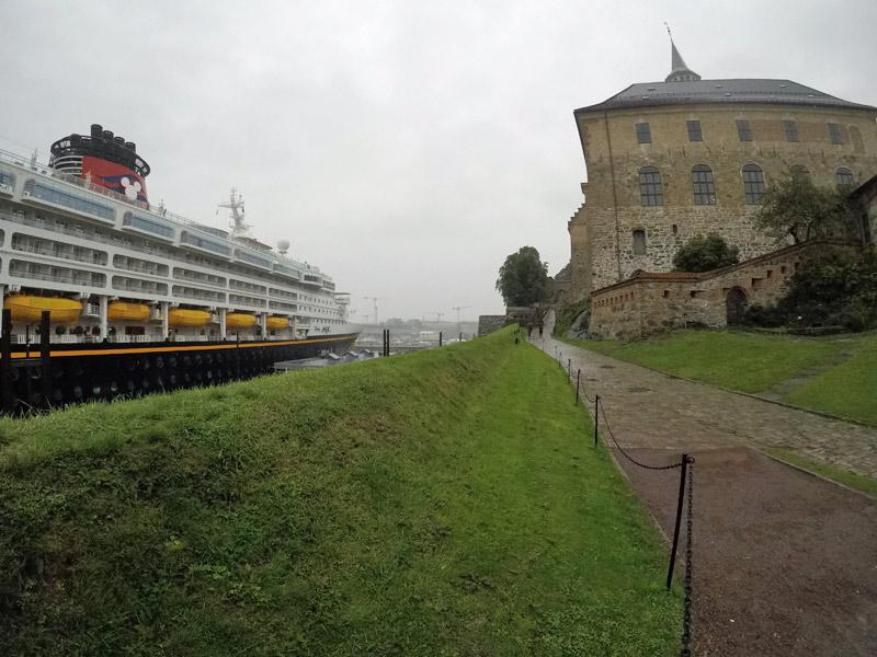 cruzeiro-disney-magic-em-oslo-noruega-akershus
