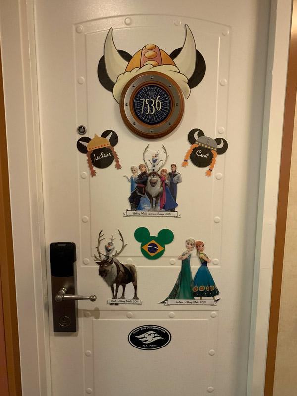 decoracao-de-porta-da-cabine-disney-magic-noruega