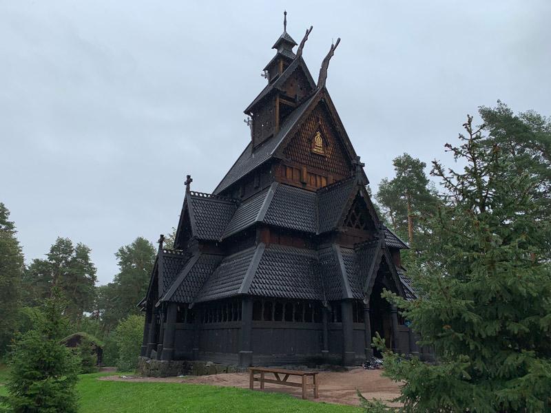 igreja-de-madeira-de-gol-oslo-noruega