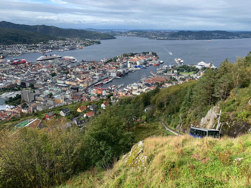 vista-de-bergen-floibanen-cruzeiro-da-disney-na-noruega